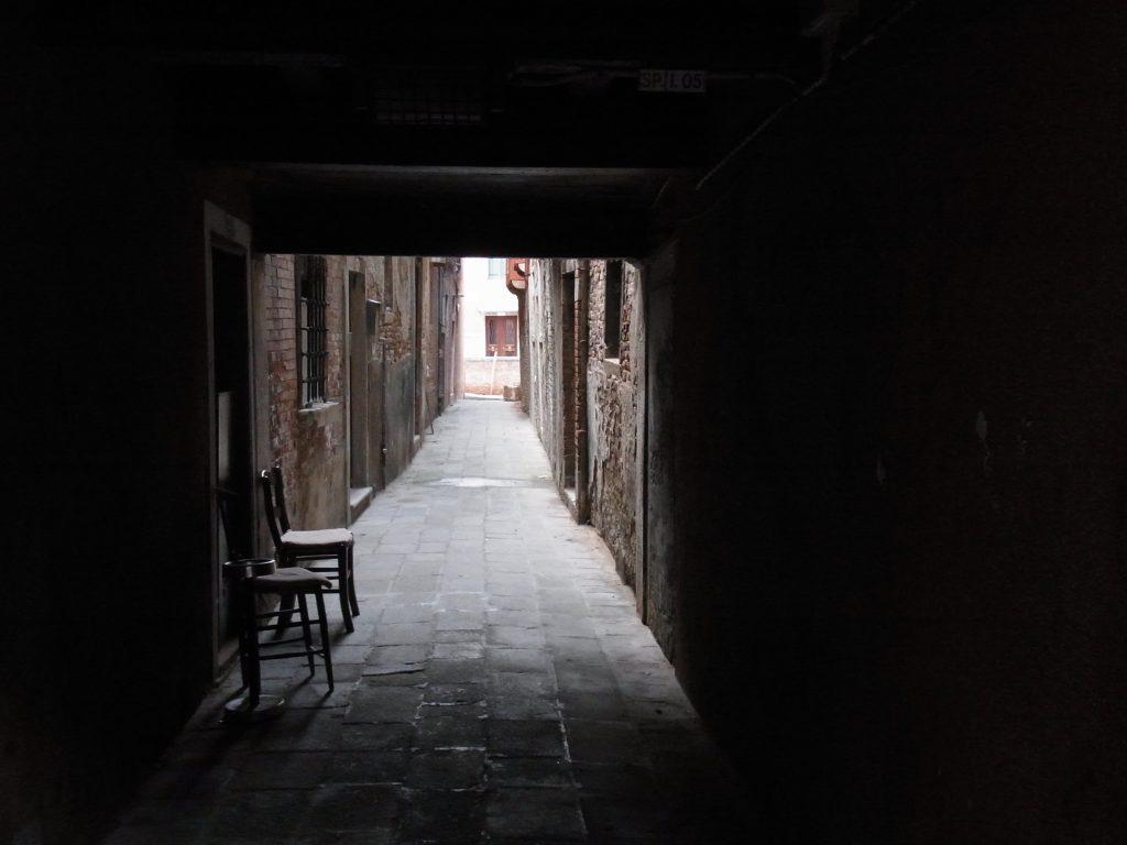 ベネチアの路地